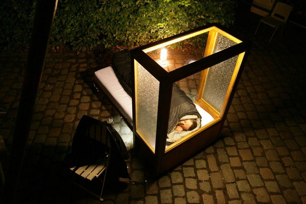 TRAUM - Ein Angebot zum Schlafen im öffentlichen Raum - A.R.M - All Recycled Material